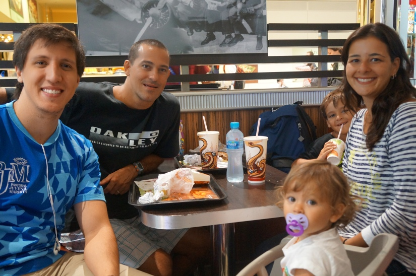 Fábio, Bárbara e seus filhos em Dubai. Quanta coisa aconteceu desde então...