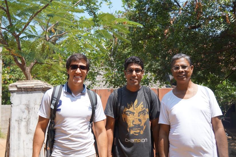 Meus anfitriões - Ao centro: Farancis (Paquistão), à direita: Lal (Sri Lanka)